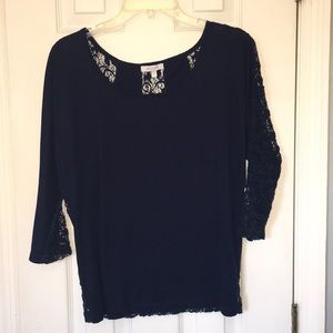 Navy blue Delia's lace detailed 3/4 sleeve shirt L